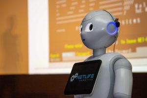 Humanoid robot az SAP siófoki konferenciáján.