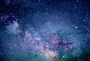 Csillagos égbolt a mesterséges intelligencia csillagászati felhasználásainak illusztrációjaként.