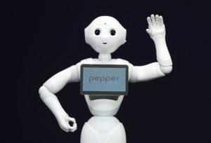 Ügyfélszolgálatos robot integet